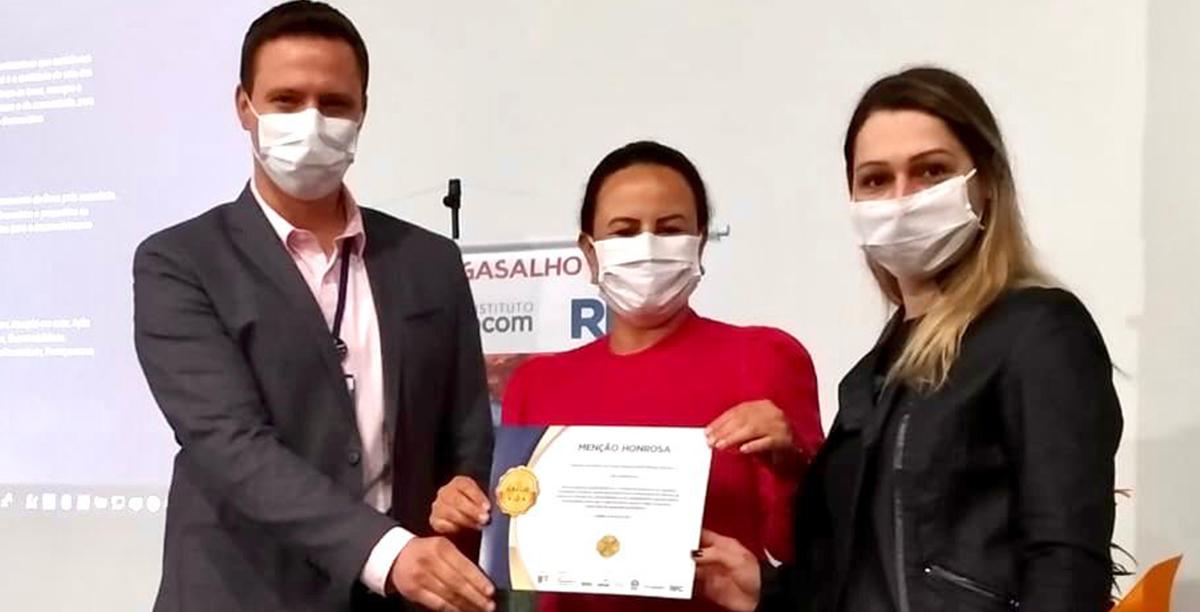 OAB Guarapuava recebe reconhecimento do Sesc por ação solidária